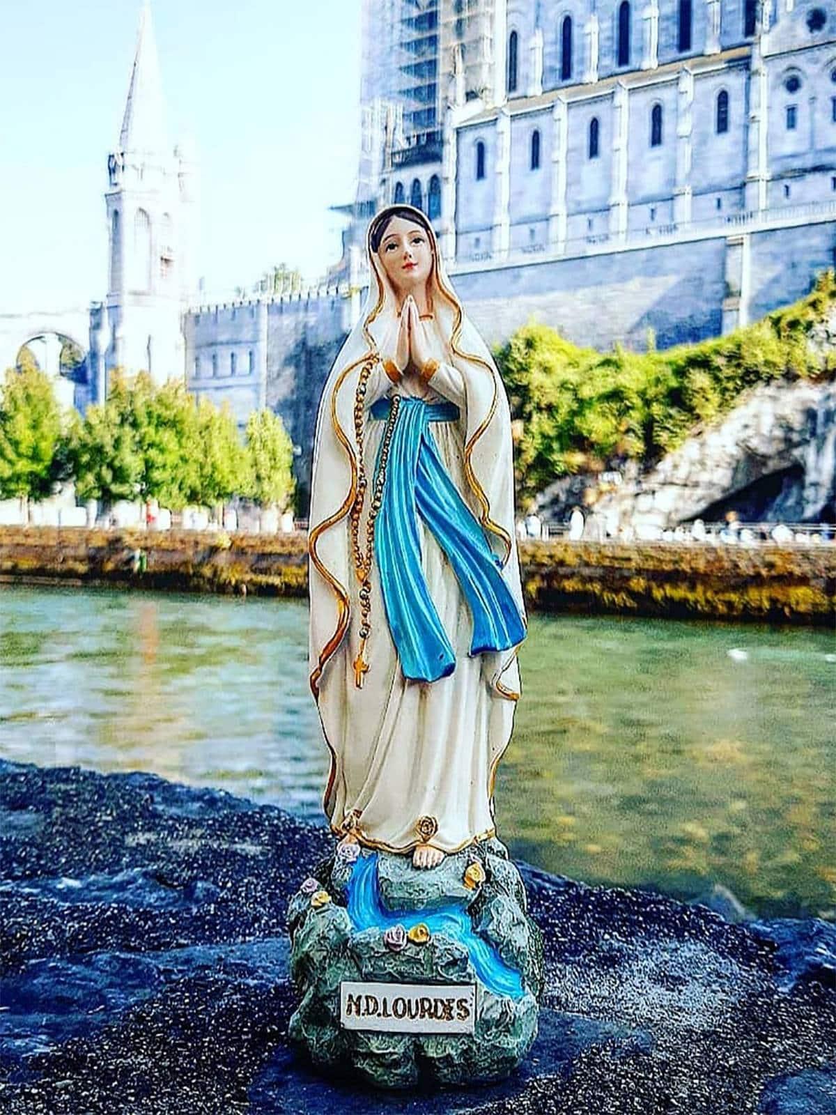 Statuette de la Vierge Marie