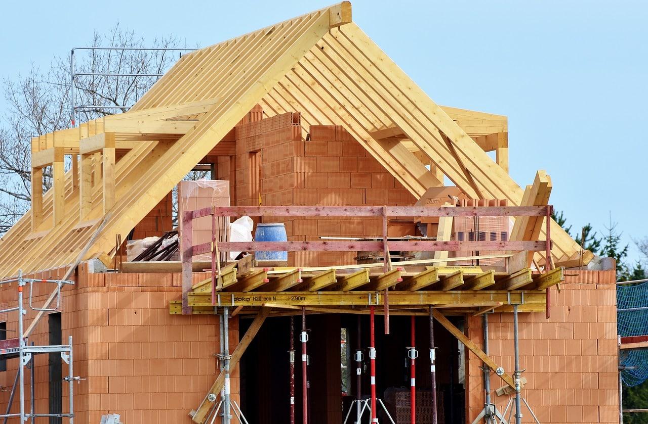 construction maison brique rouge